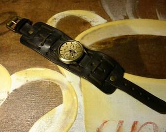Dark Chocolate Mens Watches Retro Leather Cuff Wrist Watch Bracelet