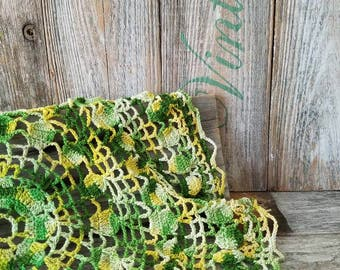 Vintage Green and Yellow Round Doily, Vintage Dresser Scarf, Vintage Home Decor