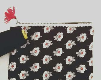 Japanese cotton and cloth flowers pouch