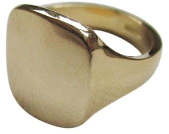 Mens Gold signet ring large