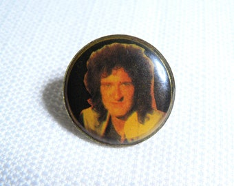 Vintage Early 80s Queen - Brian May - Photo Dome Pin / Button / Badge