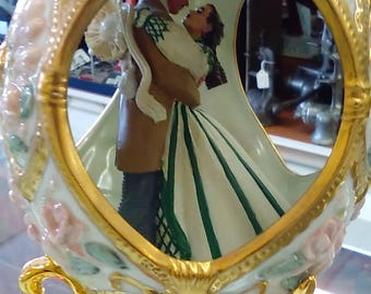 """RHETT & SCARLETT -- """"Gone With The Wind"""" Faberge Egg by The Franklin Mint  ---  FREE Shipping"""