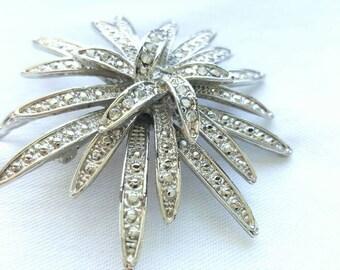 Large Silver Rhinestone Vintage Brooch. Large Vintage Flower Pin, Silver Tone Large Brooch Vintage, Vintage Pin Flower, Rhinestone Brooch