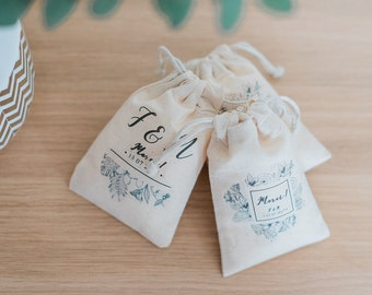Mini personalized wedding wrap
