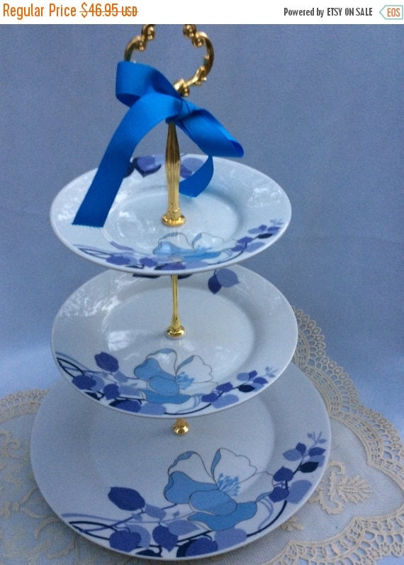 3 tier wedding cake portions wedding 3 tier cake stand3 tier serving by cakestandsboutique 10292