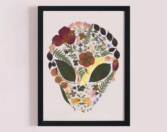 Alien head printable made out of pressed flowers. Oshibana art. Wall hanging decor. LIMITED EDITION