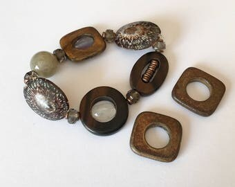 Carved horn  beads, horn connectors, donut rings-2pc