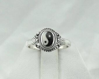 Vintage Sterling Silver and Enamel Yin Yang Ring  #YIN2-SR5