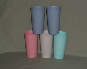 5 Vintage Tupperware Country Pastel Tumblers, 12 oz | Tupperware Pink, Aqua, Blue & Gray Picnic Tumblers | Country Colors Glasses Item #873