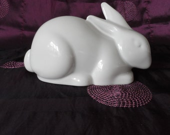 Vintage Naaman White Gloss Rabbit Figure ~ Fine Porcelain ~ Made In Israel