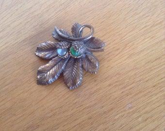 Vntage brooch