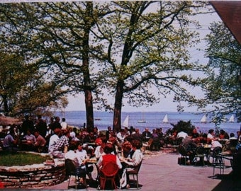 Vintage postcard.Vintage USA postcard.University of Wisconsin.Mendota Lake.Madison.Wisconsin.Ephemera.Collectible.Vintage student.University