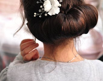 White hair pin flower bridesmaid jewelry pearl hair pin bridal hair pin floral hair pins wedding hair pins pansy hair accessory wedding clip
