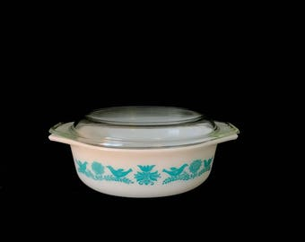 Vintage Mid Century Modern Classic Bluebird Pyrex Oval 1.5 Qt Casserole 043 w Lid Turquoise Birds and Flowers 60s Retro Kitchen Collectible