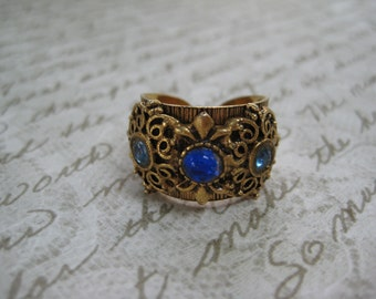vintage ring, antiqued gold tone, etched, authentic vintage ,blue stones ,wide band, adjustable ring, Vintage jewelry, reclaimed jewelry,
