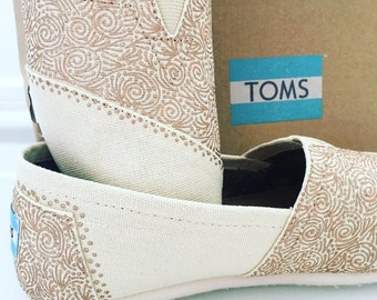 SALE: Size 7 TOMS (Cream Canvas with Rose Gold Details)