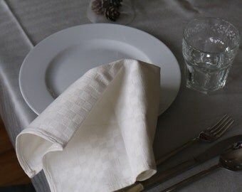 Set of 4 - light seam napkins made from antique linen with ckeckered pattern