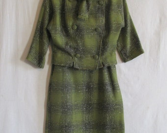 Vintage 1950s Two-Piece Green Wool Plaid Suit, Double Breasted Tailored Jacket with 3/4 Sleeves and Scarf Collar, Calf-Length B-Line Skirt