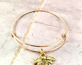 Bee bracelet, Bumblebee gold bracelet, adjustable bangle bracelet, friend gift, for mother, Queen Bee, best friend, for her, Sister, Grandma