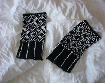 Black knit fingerles gloves mittens Black wrist warmers set by Luxoteks