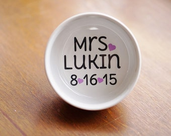 Engagement Ring Dish / Future Mrs / Engagement Gift / Personalized Ring Dish / Anniversary Gift / Jewelry Dish / Bride to Be / Ring Holder