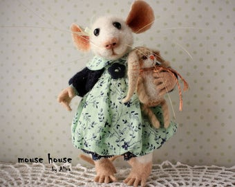 Mouse with Bunny, Needle Felted Mouse, Soft Sculpture, Souvenir Interior Doll, Eco Toy, Art Doll, Felted Animal