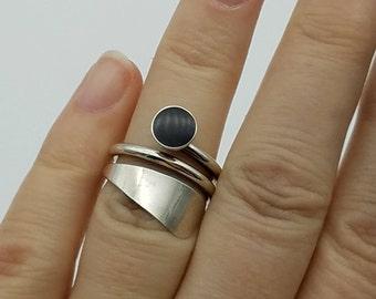 Black Onyx & Sterling Silver Swirled Vintage Statement Ring - Size 6.5