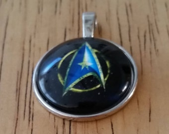 1 - Silver - Glass Cabochon - Pendant - Necklace - Star Trek Communicator Badge - The Size is 36mm x 28mm