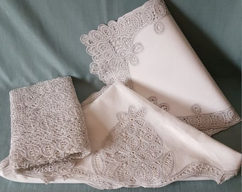 Table Linen Ensemble - Round Tablecloth, Square Table Topper and 4 Placemats