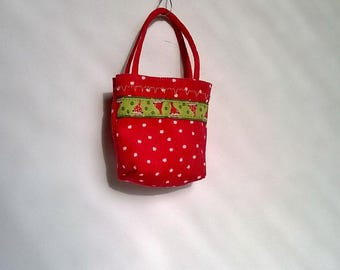 Barbie bag and shoppers in red with white dots and Grüngrundigem patch