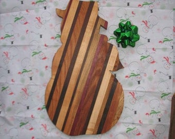 Handmade Wood Snowman Cutting Board makes a great Christmas gift for family, friends, co-workers