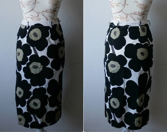 MARIMEKKO skirt Unikko fabrics handmade skirt Floral midi skirt Side slits Cotton midi skirt Black white poppies print High waist skirt
