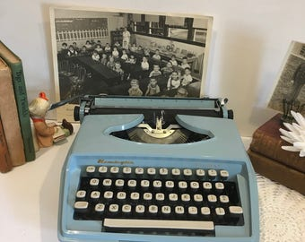 Vintage typewriter, Remington,holiday, sapphire blue, decor, pica, retro, old, mid century, Holland, blue, funky, mod,office, old school