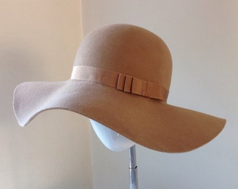 50% off Large floppy hat
