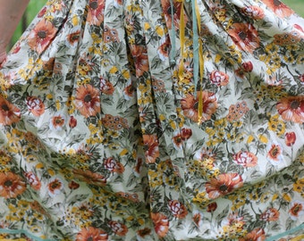 vintage floral midi / maxi skirt with decorative lace