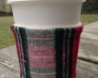 Plaid flannel coffee cozy - red & white