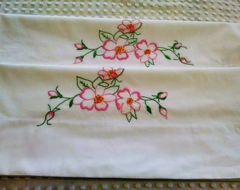 Beautiful Pair of Vintage Embroidered Standard Pillowcases Cannon Combspun Percale Cotton Pink Flowers Shabby Cottage Chic Two Pillow Cases