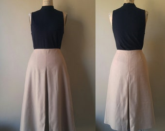 Camel 90s Vintage A Line Skirt, Brooks Brothers, Size 4, 1990s, High Waisted, Midi, Beige, Pleat, Cashmere Blend, USA, Classic, Tan