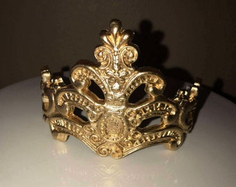 Gumpaste Fondant crown for cakes topper, silver or gold