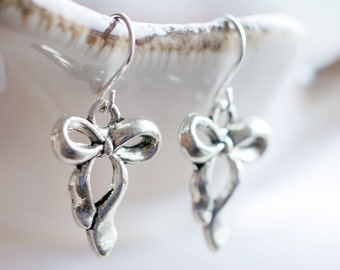 Cutesy bow earrings | Antique silver ribbon earrings | Kawaii sterling silver earrings | Kitschy vintage style earrings | Girly earrings