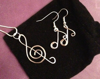 Music jewellery set, rose gold jewelry, music note earrings, treble clef pendant, gift for musician, present for music lover, gift for her