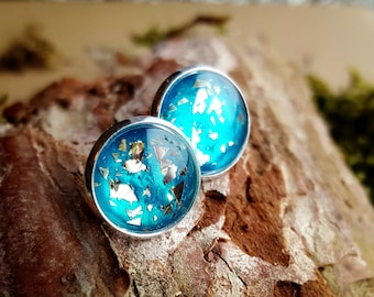 Beautiful earrings, earrings in turquoise with gold particles inside. Round, 12mm