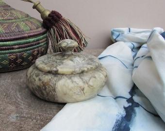 Vintage Soapstone Marble effect Trinket Pot / Cosmetics Pot / Boho Home Decor / Coffee Table Decor / Mid Century Modern Catch-all Pot