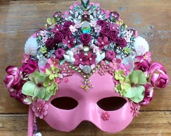 Jewelled masquerade mask