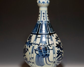 Superb Highly Collectible Chinese Antique 16th Century Ming Dynasty JiaJing Emperor Blue and White Exportware Garlic-Mouth Porcelain Vase