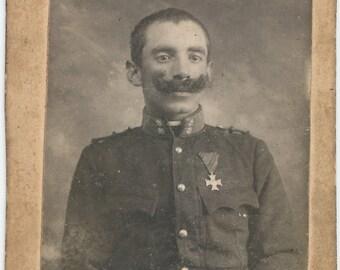 Soldier in uniform - WW 1 - 1000 yard stare