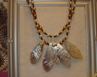 "15 1/2""Handmade Beaded Pretty Brown Beauty Necklace"