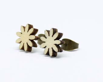 Natural Wooden Studs - daisy 9mm or 14mm