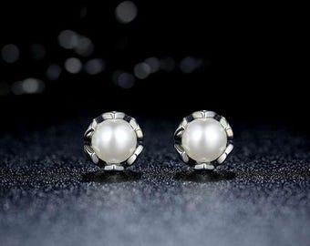MKD Vintage 100% 925 Sterling Silver Cultured Elegance Stud Earrings With White Freshwater Pearl