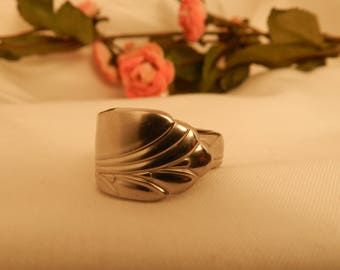 Ring Size 6, Spoon Ring, Silverware Jewelry, Vintage Silverware, Flatware Jewelry, Spoon Ring Jewelry (R5)